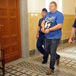 Rejtő-összest kért magának a bevitt rendőri vezető