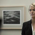 Claire Underwood csatát nyert: kiharcolta, hogy ugyanannyit keressen, mint a férje