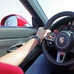 Miért jobb egy 20 millió forintos Porsche egy 60 milliósnál? Kipróbáltuk mindkettőt
