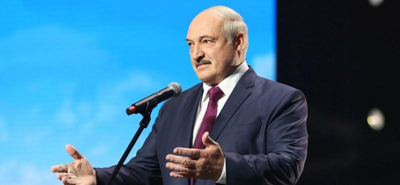 Lukasenka Washingtont nyugtatja, hogy nem avatkoznak be az oroszok