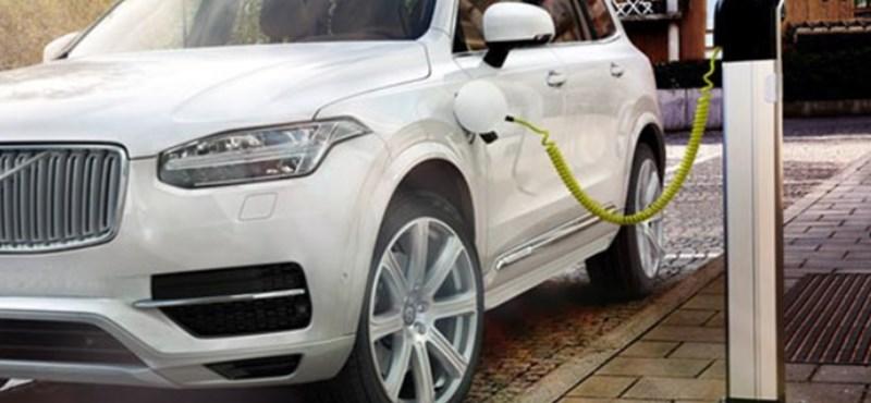 Lekerülhetnek a zöld rendszámok a 300 lóerős hibrid autókról