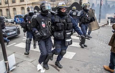 tudd rendőrök frankfurt