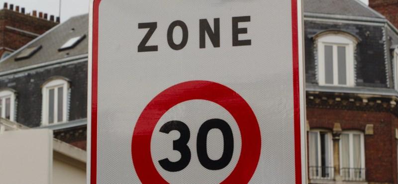 Ér-e valamit a 30-as sebességkorlátozás fekvőrendőr nélkül?