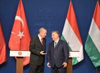 Orbán török barátja nem elüldözi, hanem bezárja a neki nem tetsző egyetemet