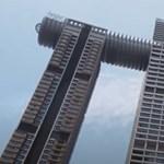 Félelmetes üveghidat építettek a felhőkarcolók közé Kínában (videó)