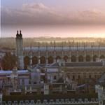 Külföldre menekülnének a horribilis tandíjak ellen a brit diákok
