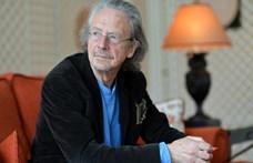 Szerb díjeső Peter Handke Nobel-díjas írónak