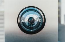 Fontos tipp: így veheti észre, ha rejtett kamera van a szállásán, vagy trükkös tükör