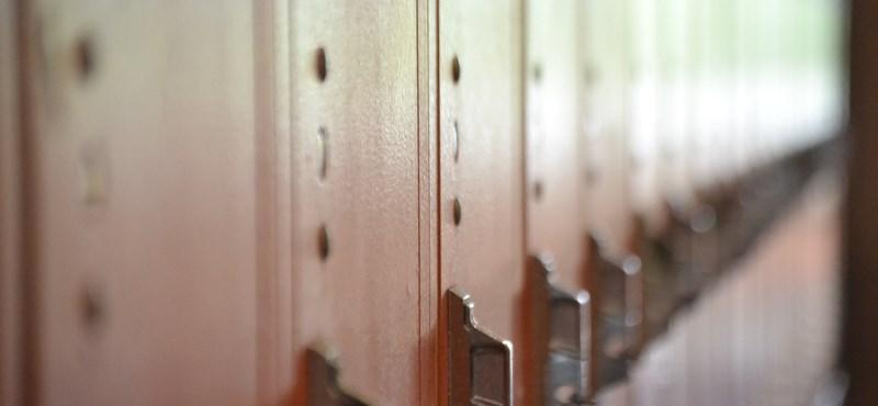 Nincs iskolai szekrény? Fizessen a szülő bérelhető rekeszekért?