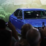 Tömegesen kénytelenek lecserélni modellkínálatukat az autógyárak
