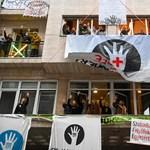 Indoklás nélkül bocsátották el az SZFE egyik oktatóját