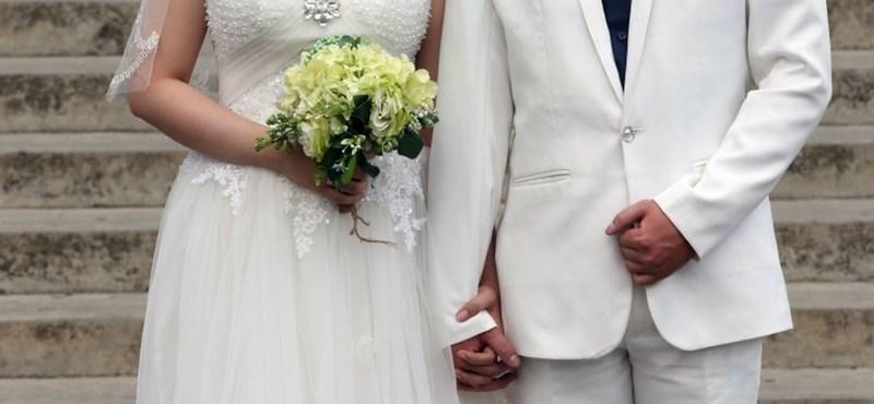 Öt plusz nap szabadság jár a közszolgáknak, ha összeházasodnak