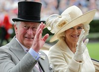 Elárulta az erdélyi gróf, mivel tölti náluk az időt Károly herceg
