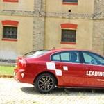 Renault Laguna teszt: kanyarevő