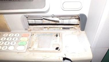 Vasrúddal próbáltak pénzt szerezni egy nyíregyházi ATM-ből