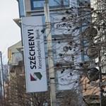 Októberig letartóztatásban maradnak a Széchenyi Bank egykori vezetői
