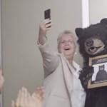 Vicces kétrészes videó a Lenovo 64 bites telefonjáról