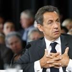 Sarkozy telefonon beszélt Obamával