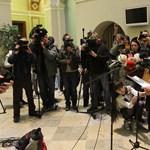 Kamu doktorik feltárásával vehet revansot a Fidesz