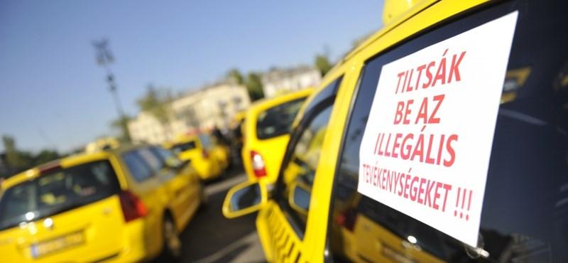 Hiénák vagy angyalok? Kommentháború az Uber kivonulásáról