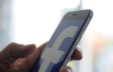 Elvesztette a kisbabáját, mégis a szüléshez kapcsolódó hirdetésekkel bombázza a Facebook