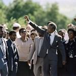 Meghalt Winnie Mandela – dicsőségből a szégyenbe