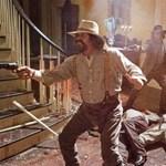 Django: Húscafatok történelmi zsírpapírban