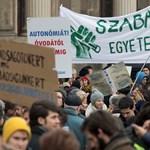Tiltakoznak a diákok: iskolabojkott és alternatív tanórák lesznek pénteken