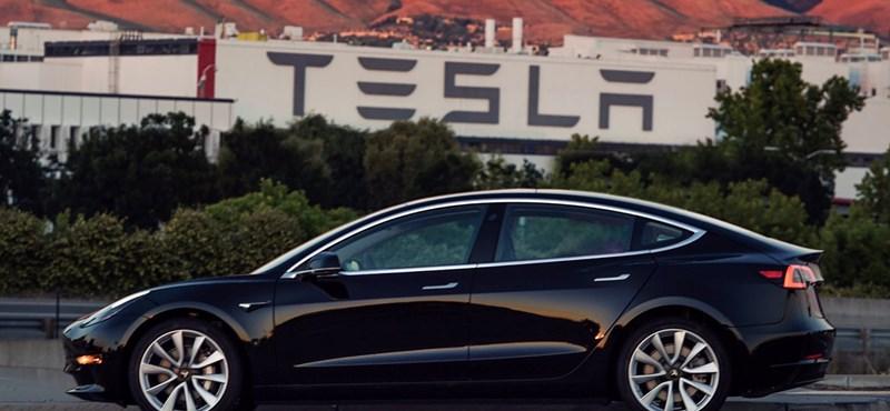 Túl a nehézségeken: a Tesla már tényleg ontja magából a villanyautókat