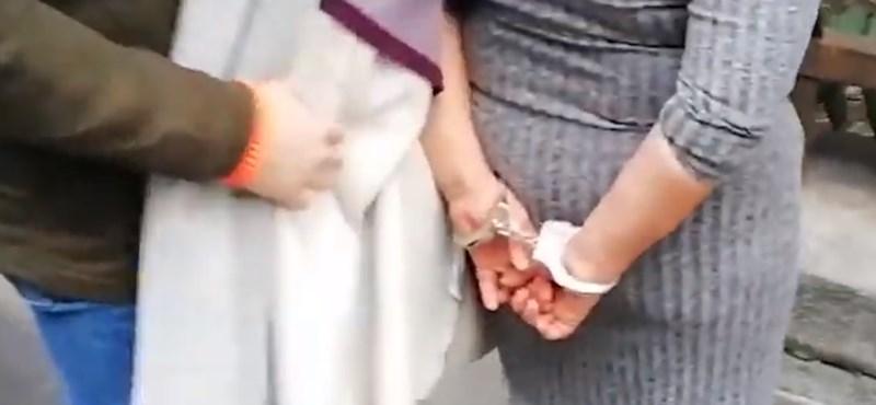 Rendelőbe ment lopni a hatvani nő, de egyből lebukott