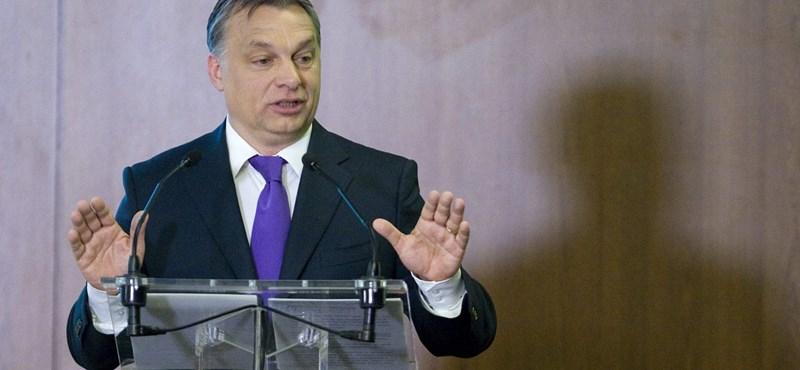 Ilyen ajándékot kaptak Orbántól az érettségizők