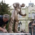 Felállították Bagaméri szobrát - fotó