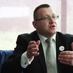 Újabb ügyben függesztették fel Szepessy Zsolt mentelmi jogát