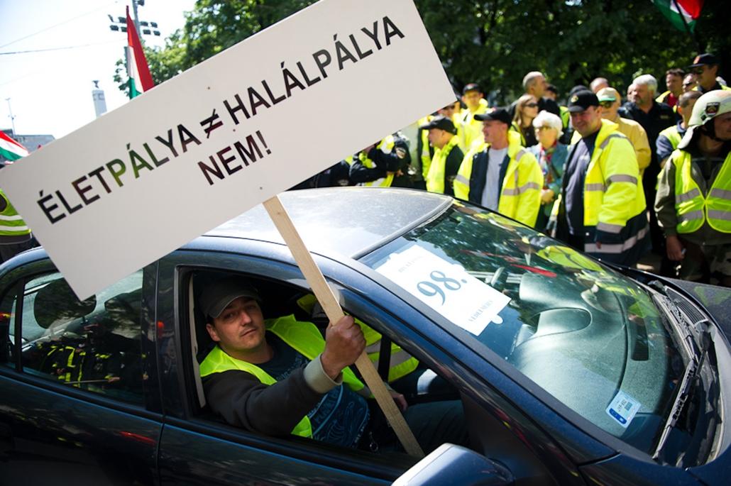 Rendvédelmi szakszervezetek tüntetése
