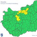 Zivatar miatt riasztanak Fehérvár és a főváros környékén