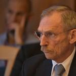 Pintér Sándor kisokost küldött a belügyi intézményvezetőknek, mit csináljanak, ha ellenzéki képviselők bukkannának fel