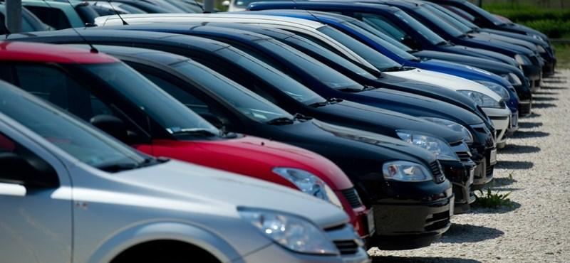A második hullámban is szépen veszik az új autókat a magyarok