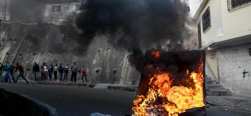 Már legalább 13 halottja van a venezuelai kormányellenes tüntetéseknek
