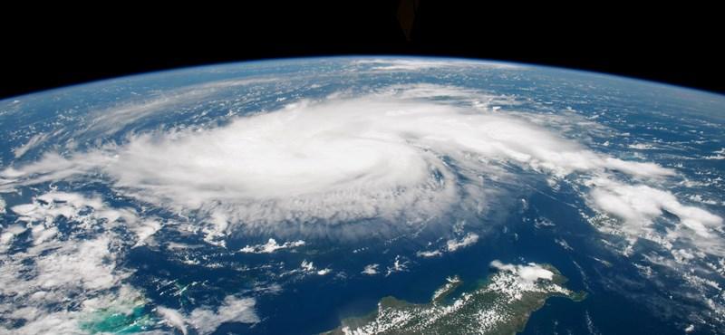 A vulkánkitörések és a légszennyezés is hatással van a hurrikánok képződésére