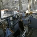 Fotók az Óbudai-szigetnél rozsdáló ötvenéves luxushajó fedélzetéről