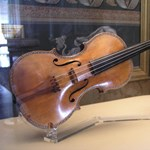 Egy művész szobájából lopták el, 35 év múlva került elő a Stradivari