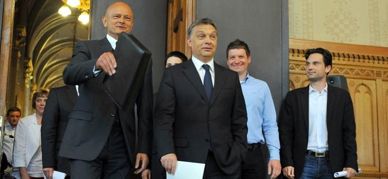 Schmitthez fordul a Bankszövetség a végtörlesztés miatt