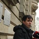 """""""Emelt fővel állok a bíróság elé"""" – így reagált a megvádolt Czeglédy Csaba"""