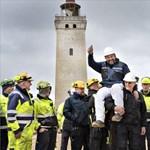 Odébb toltak Dániában egy 120 éves világítótornyot, hogy nehogy összedőljön