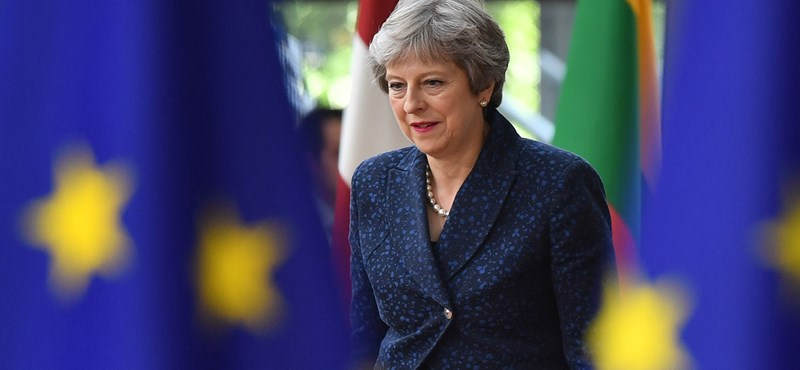 Theresa May: Akár el is maradhat a Brexit