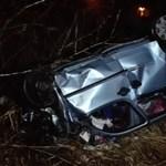 Durva baleset volt a 4-esen, meghalt egy 14 éves lány