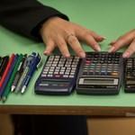 Hiába népszerűsíti a kormány a szakképzést, egyre kevesebb a diák a szakgimnáziumokban
