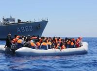 Turisták helyett migránsok érkeznek a Kanári-szigetekre