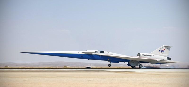 Elkezdték összeszerelni az új repülőgépet, ami 1500 km/h-val fog hasítani