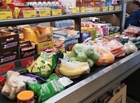 Nem csak a járvány, az ünnep is a bevásárlás útjába állhat a hétvégén